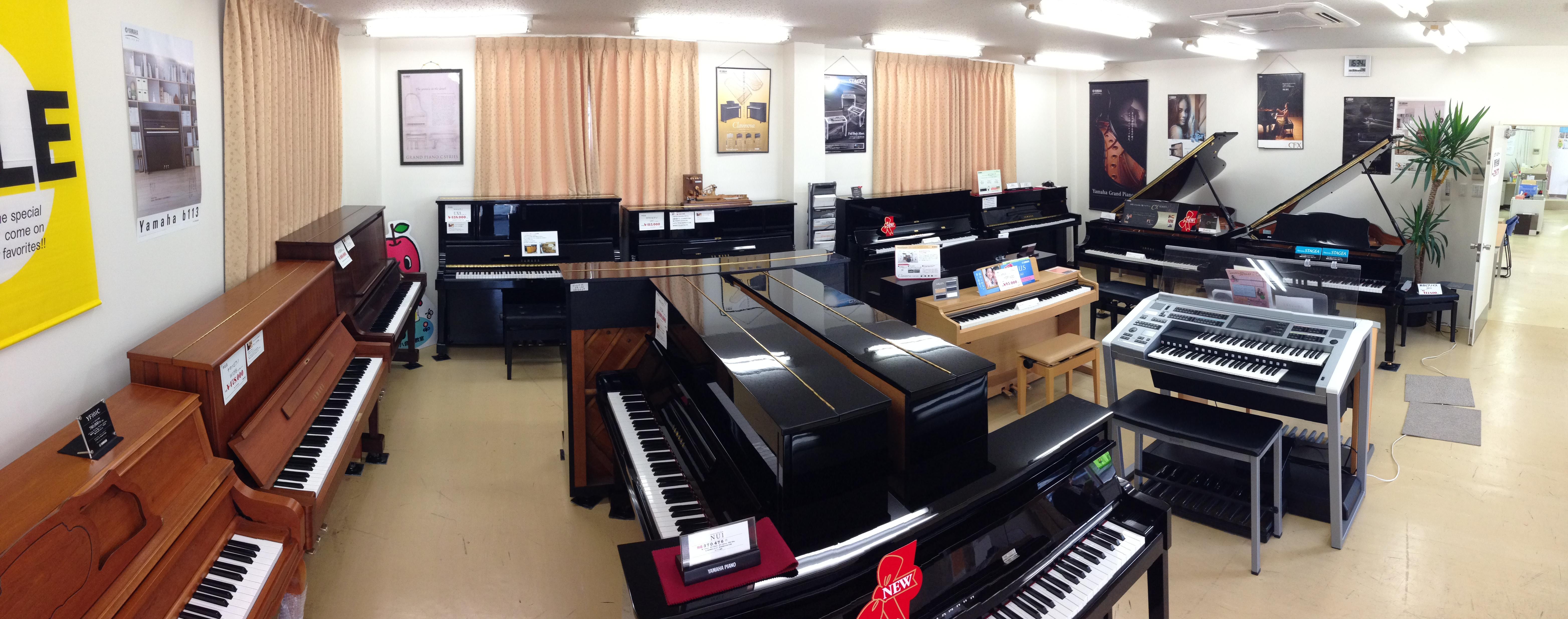 御弓店では、常に10台以上の鍵盤楽器を展示しております。